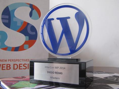 O troféu que ganhei por palestrar :)